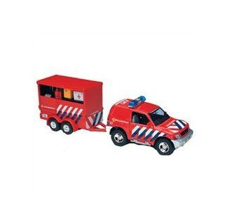Brandweer auto met aanhanger